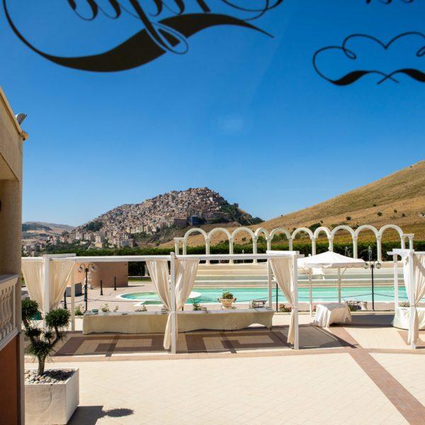 Park Hotel Perla Di Engio Gangi La Piscina e vista del comune di Gangi wedding day matrimonio in sicilia