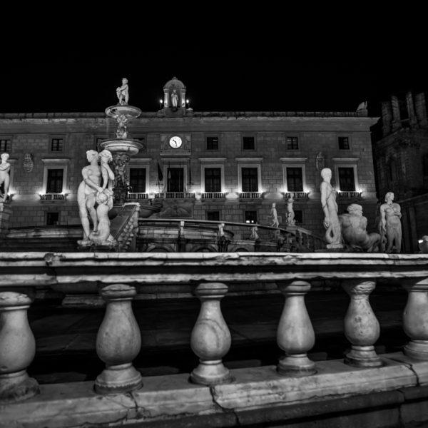 piazza pretoria statue palermo centro storico