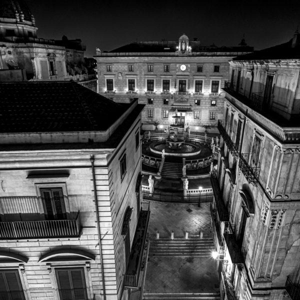 vista dall alto piazza pretoria santa caterina hotel b&b corso visttorio emanule