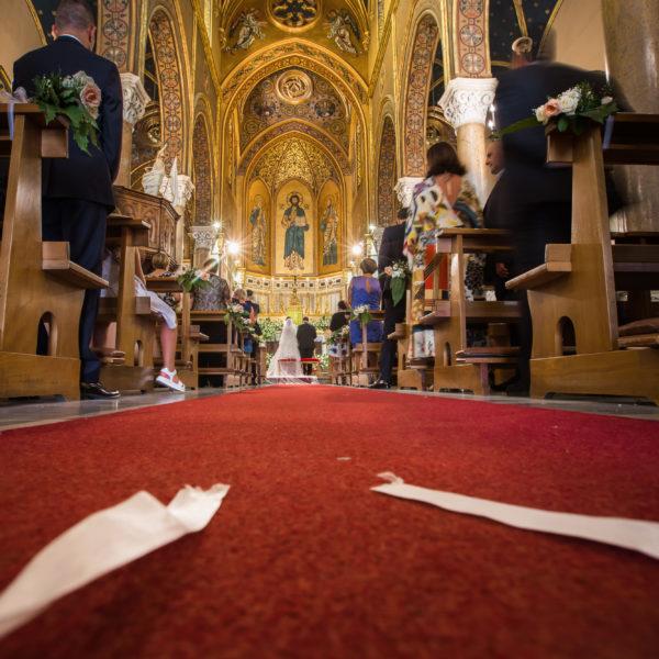 Chiesa dei Santi Pietro e Paolo fotografie di un matrimonio