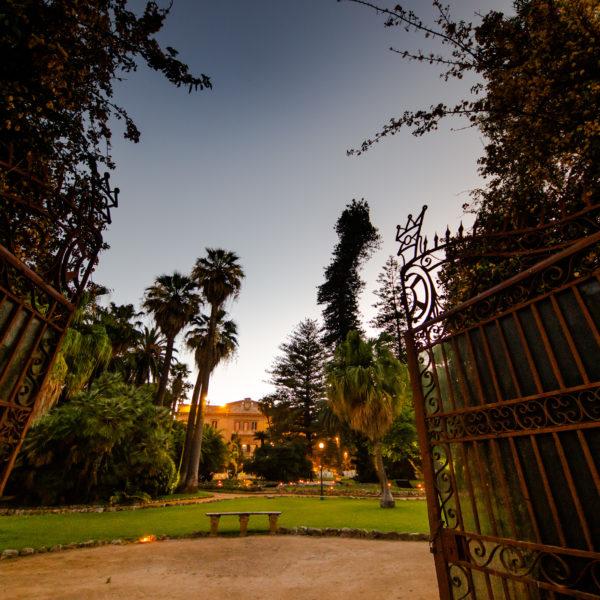 ingresso-villa-tasca-a-palermo-la-villa-elegante-e-raffinata-servizi-eccellente-fotografie