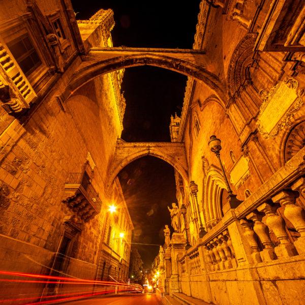la cattedrale di palermo di notte night palermo urban street fotografie